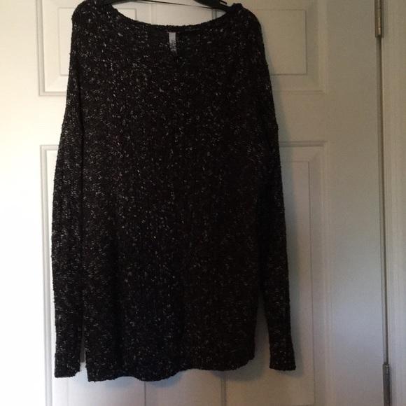Kensie Sweaters - Black speckled Kenzie sweater